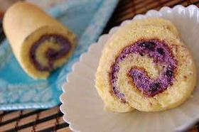 自家製ブルーベリージャム入りロールケーキ