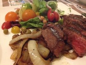 牛肩ロースのステーキ