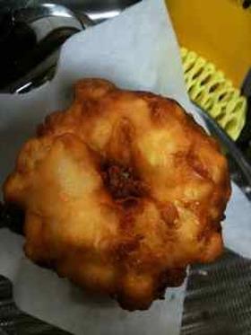 シナモン香るリンゴ入りぽこぽこドーナツ