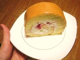 ホワイトチョコとラズベリーのロールケーキ