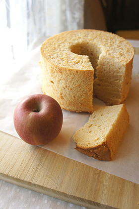 すりおろしリンゴとシナモンのシフォン