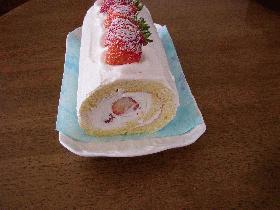 ふわふわ♪苺のロールケーキ