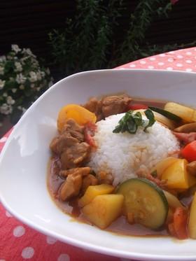 夏野菜とチキンのバジルカレー
