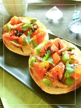 桜えびとトマトの塩昆布ラー油マフィン