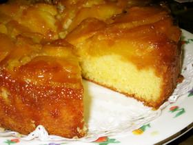 パイナップルのアップサイドケーキ