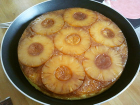 パイナップルとココナッツのケーキ