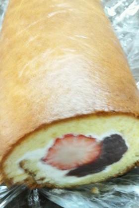 あんこといちごのロールケーキ