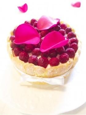 ホワイトデーに!ピンクのショートケーキ