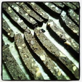 自家製酵母でチョコとくるみのビスコッティ