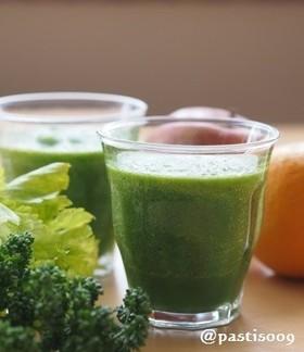 朝の一杯♪グリーンジュース(スムージー)