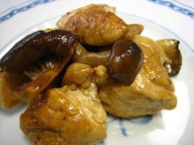 バルサミコを使った鶏肉とキノコの炒め物