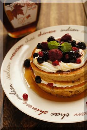 * プルーン&ベリーのスフレパンケーキ♪