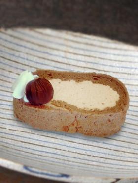 米粉のチーズクリームロールケーキ