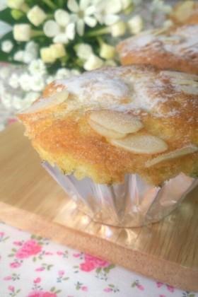 ふわふわ♪アーモンドのカップケーキ