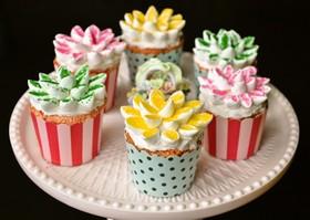 マシュマロデコ♪お花畑のカップケーキ