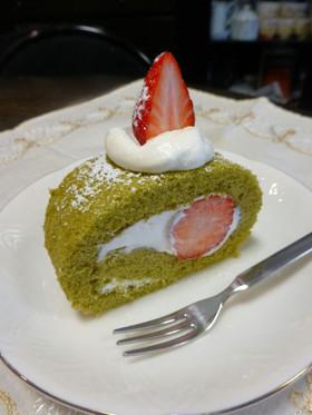 ひな祭りにも♡ママの抹茶ロールケーキ