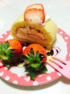 上新粉でふわふわ苺ロールケーキ