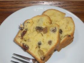 3種レーズンのパウンドケーキ