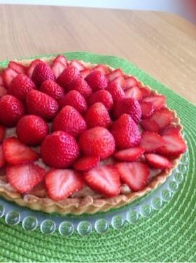 イチゴのタルトケーキ