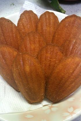 キャラメル味のマドレーヌ風プチケーキ