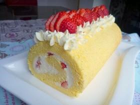 *イチゴ入り☆レアチーズロールケーキ*