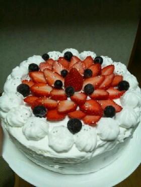 イチゴとブルーベリーのバースデーケーキ