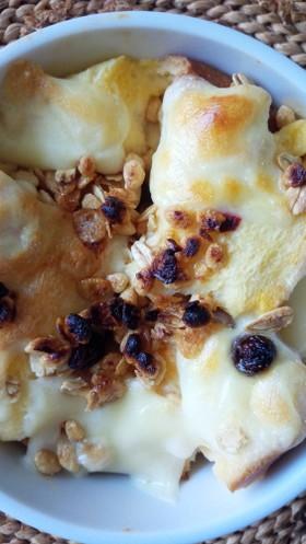 朝食♡フルグラとチーズのパンプディング