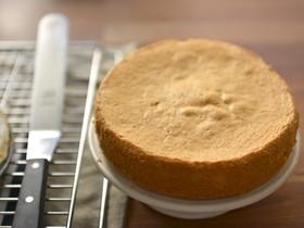 北欧風スポンジケーキ☆混ぜて焼くだけ簡単