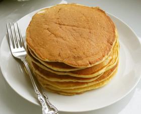 アメリカンな朝食 ヨーグルトパンケーキ