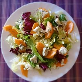 桃とブルーチーズのサラダ
