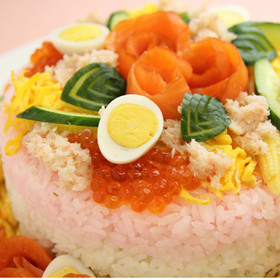 缶詰でひなまつりのケーキ寿司【天狗缶詰】