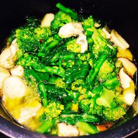 牡蠣と春野菜のアヒージョ