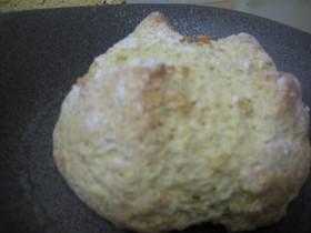 たったの2つの材料でパンが出来ちゃった!