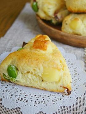 ☆簡単☆ベーコンと枝豆とチーズのスコーン