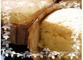 ホワふわメープル生クリームのカップケーキ