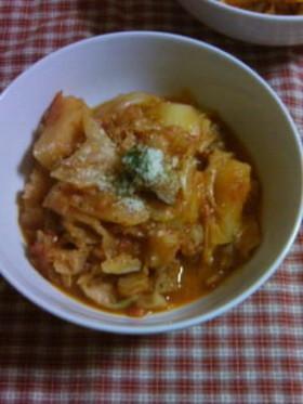 豚肉とキャベツのトマト煮込み