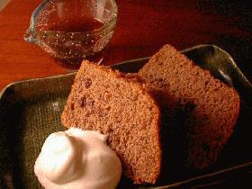 小豆と黒砂糖と全粒粉のやさしいシフォンケーキ