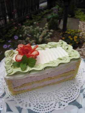 母の日に☆苺ムースケーキ