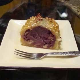 紫芋餡のロールパイ 変わりスイートポテト