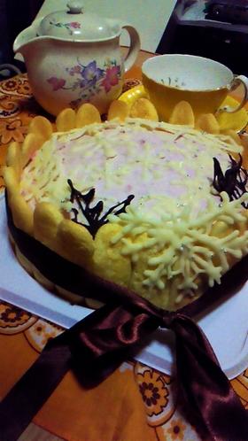 ラズベリーのスフレチーズケーキ