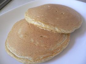 朝食に!ライ麦と全粒粉のホットケーキ