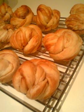 お家でパン屋☆プリンマーブルパン