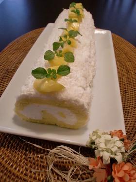 マンゴーココナッツロールケーキ