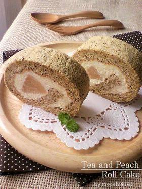 紅茶スポンジと桃のロールケーキ