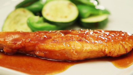 秋鮭の生姜焼き。