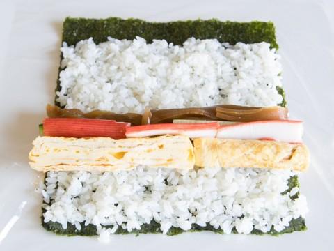の 巻き 方 寿司 巻き