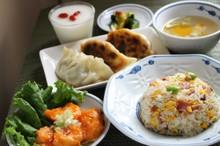 料理レッスン写真 - 中華の献立を学ぼう!エビチリ 枝豆チャーハン 皮から作る餃子 杏仁豆腐