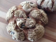料理レッスン写真 - 天然酵母オリーブのフラワーカンパーニュとオリーブ&トマトのブレッド