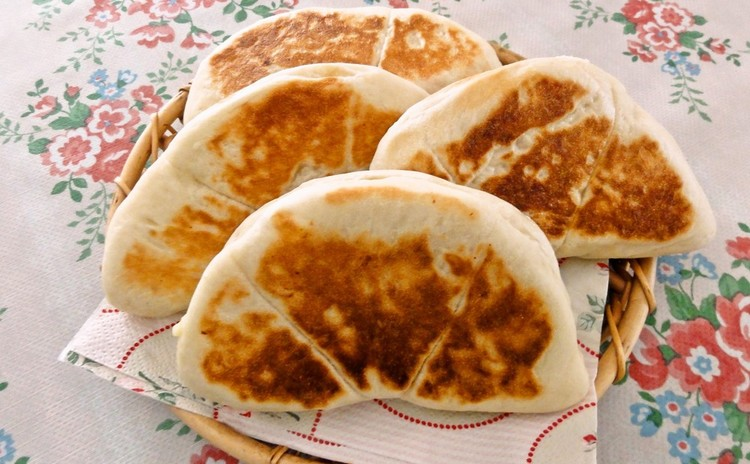 ランチ付☆パンで世界旅行を!白神こだま酵母で作るナン&グリッシーニ