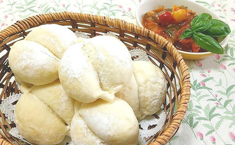 ふわふわ白パンとお野菜たっぷりのラタトゥイユでミニランチ♪